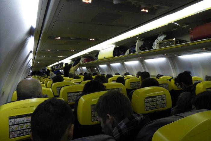 RyanAir Stansted 737-800  8