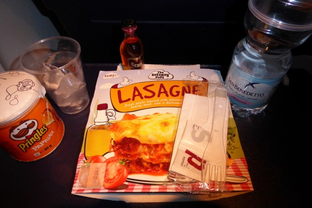 RyanAir Stansted 737-800 comida 1