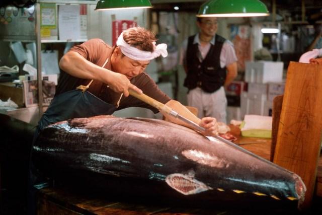sitios-que-no-te-puedes-perder-en-japon-tsukiji-mercado