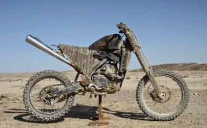 Esto parece una Yamaha WT450F aunque también podría ser una YF