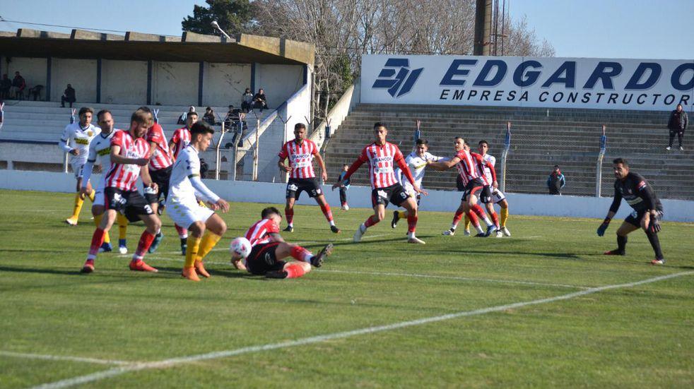 Instituto y Santamarina empataron en un aburrido partido en Tandil