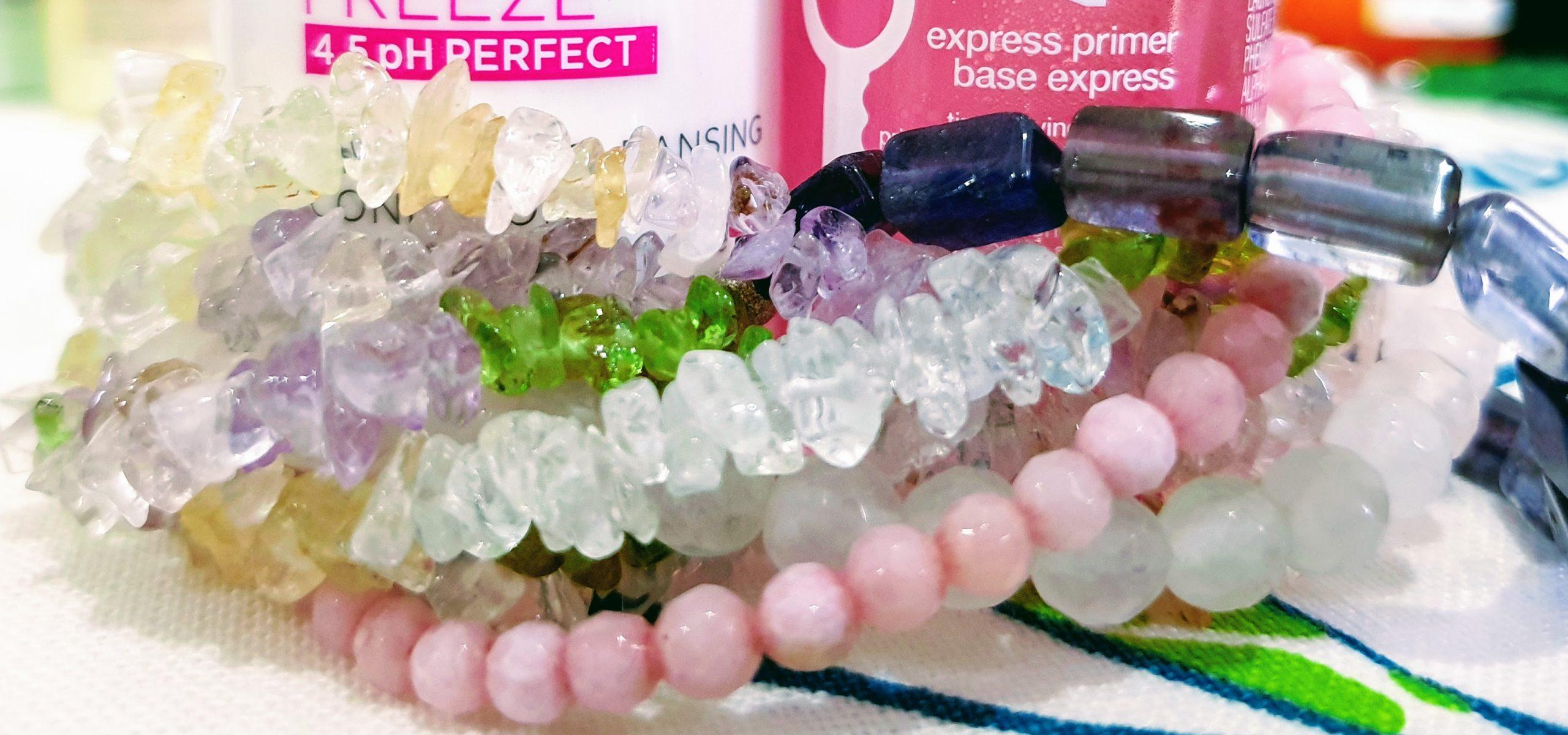 kosmetiikan suosikkilistani hiustuotteet kuvitus