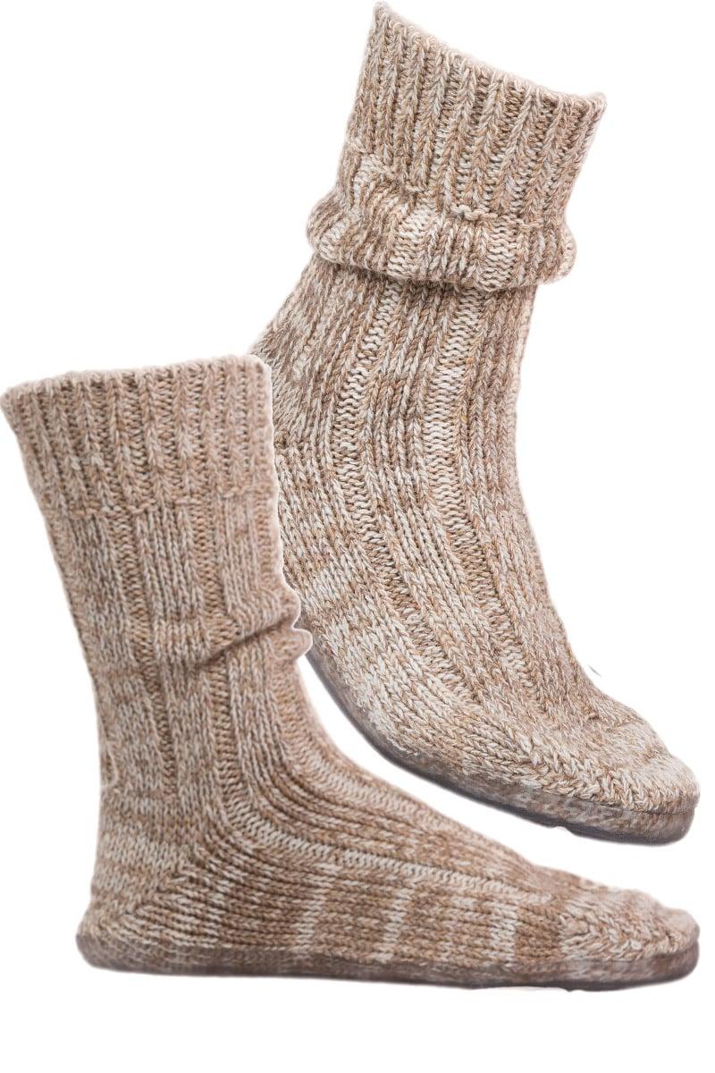 0f5bb82d3f78f Chaussons norvégiens   Compromis idéal entre chaussettes et ...