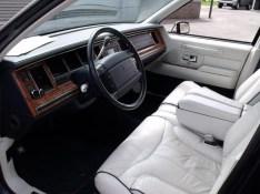 1993_lincoln_town_car_4_dr_signature_sedan-pic-3975644821971536614-640x480