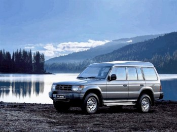 mitsubishi-pajero-wagon-high-roof-1991-302110