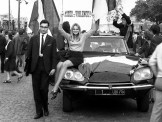 COUNTER-DEMONTRATION-BY-DE-GULLE-SUPPORTERS.-PARIS-30-MY-1968-10