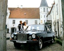 volvo_164_black_1969_rocks