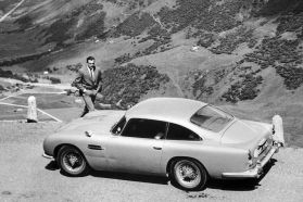 sean-connery-in-goldfinger-with-aston-martin