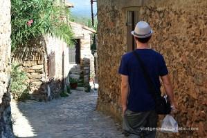 Caminant pels carrers de Castellnou des Aspres