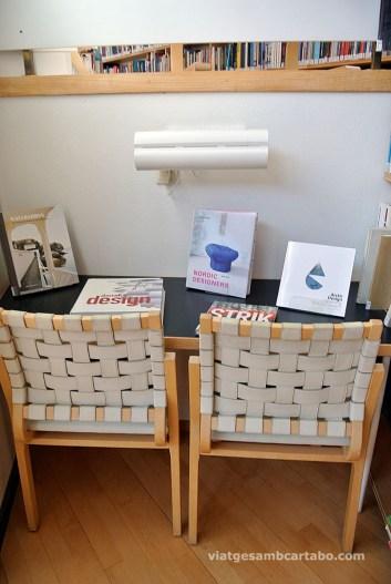 Racó de disseny total - lectura, seients, taula, llum
