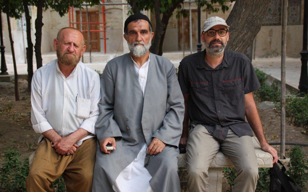 2016-07-31-david-amb-aiatolla-a-madrassa-de-shiraz
