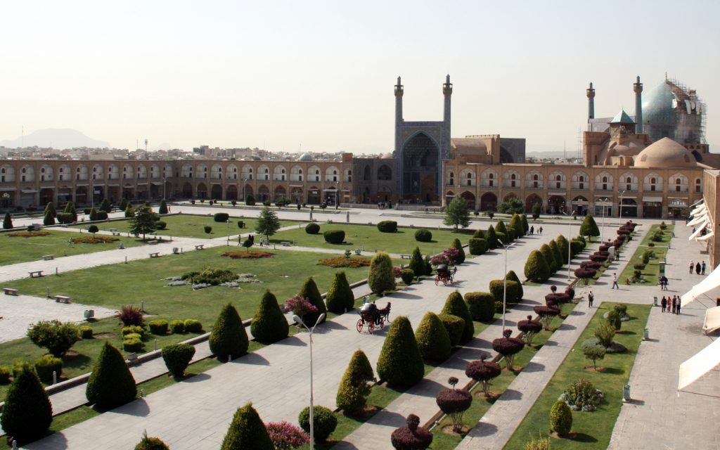 2016-08-02-vista-de-la-placa-naghsh-e-jahan-disfahan
