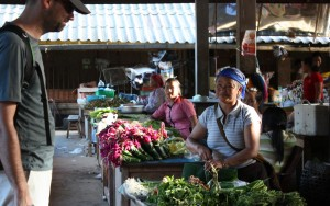 2009-08-19 (mercat Phongsaly)