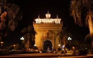 2009-08-26 (arc triomf Vientiane)