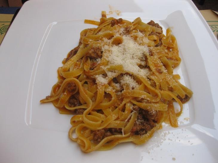 1.spagetti bolgnesa