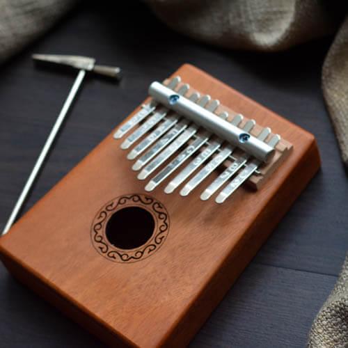 Kalimba 10 Mahogany Classical 04