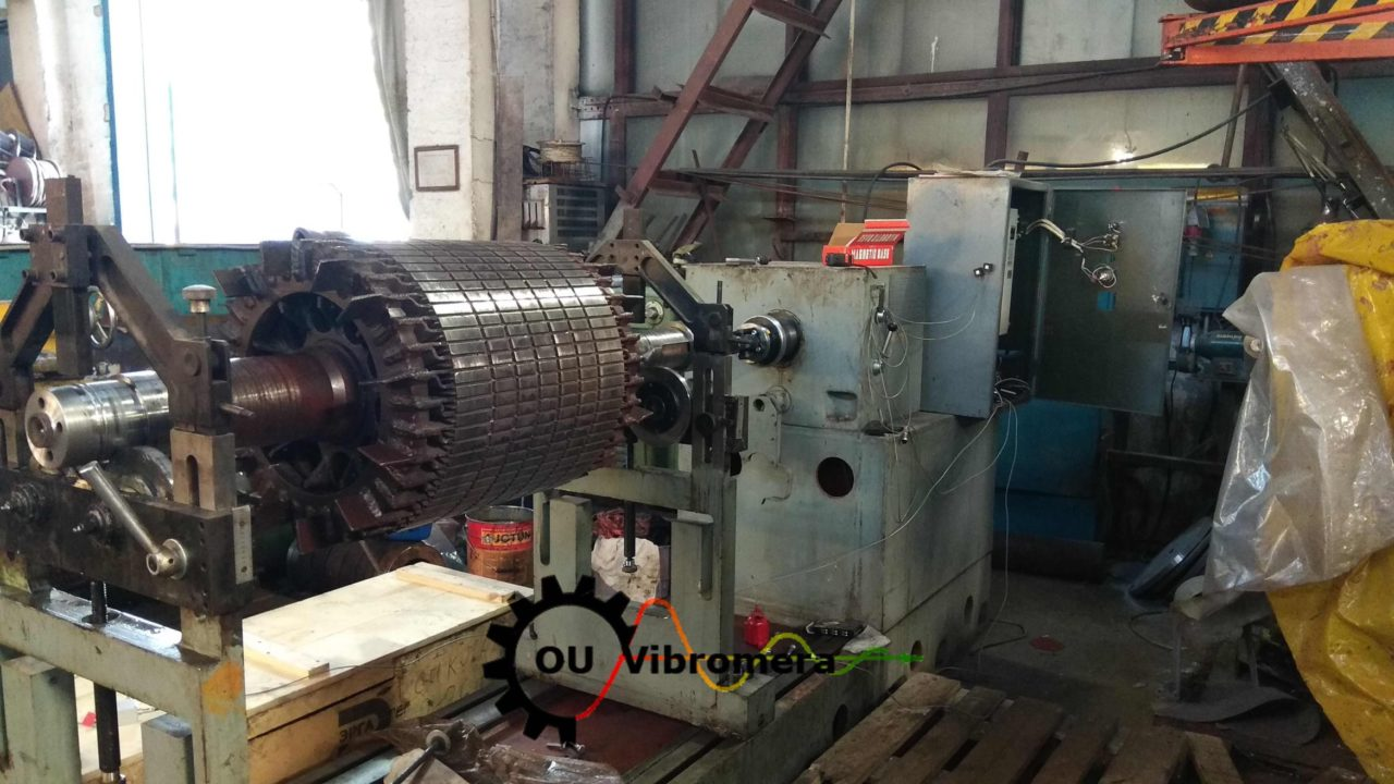Electric motor rotor balancing. Balancing machine.