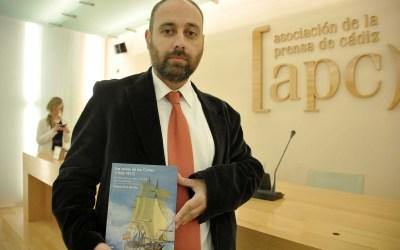 El profesor Vicente Ruiz García presentó en Cádiz su última obra 'Las naves de las Cortes (1808-1812)'