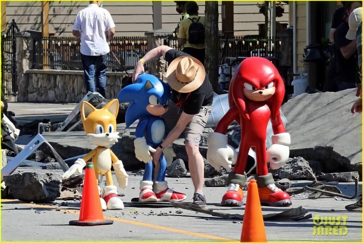 Foto tirada por JustJared no set de Sonic 2 – O Filme (2022)