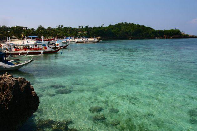 Porto de Boracay, com uma água surreal de azul!