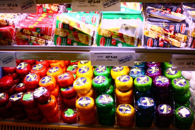 compras nos supermercados de Aruba e Curaçao