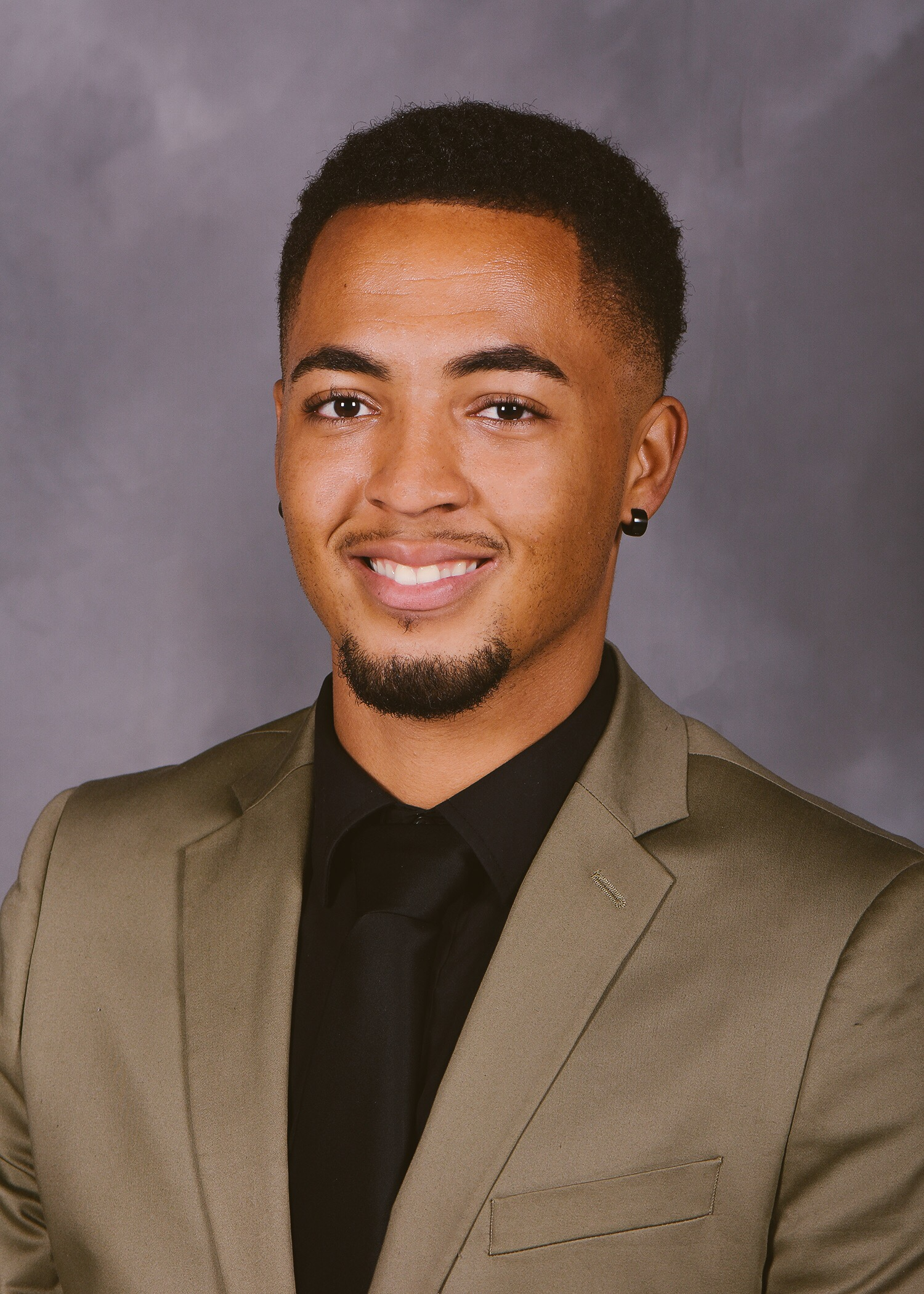 Isaac Floyd- Master's Candidate in Nutrition : Fitness Wellness Coordinator