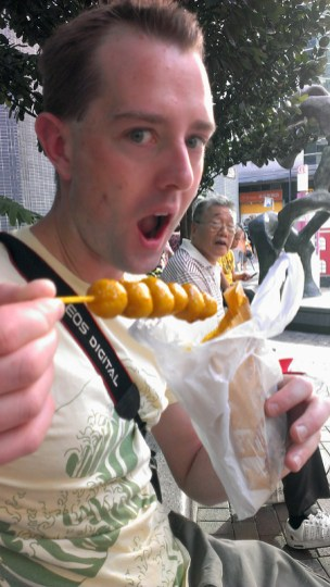 Hong KongStreet Food: Curry Fishballs