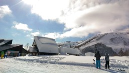 Ski Trip Jan 2015 D4: Thick Snow on Roofs