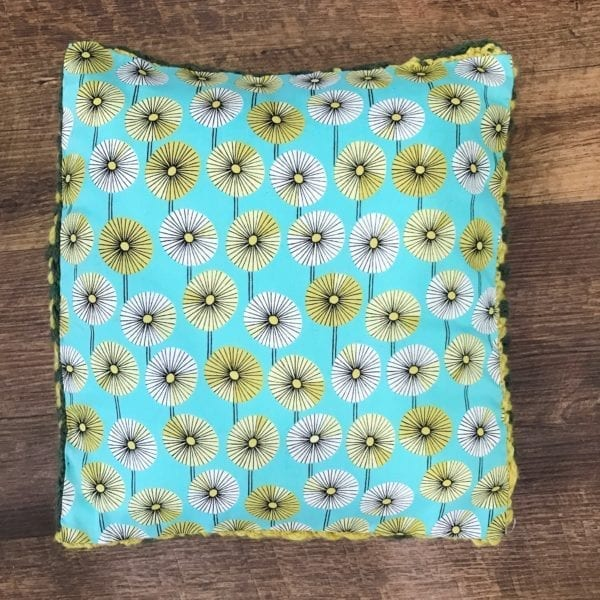 Bi-color Brioche Pillow | How to back with fabric.