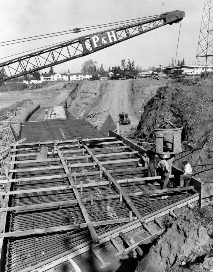 1956 contruction of hollywood freeway extention