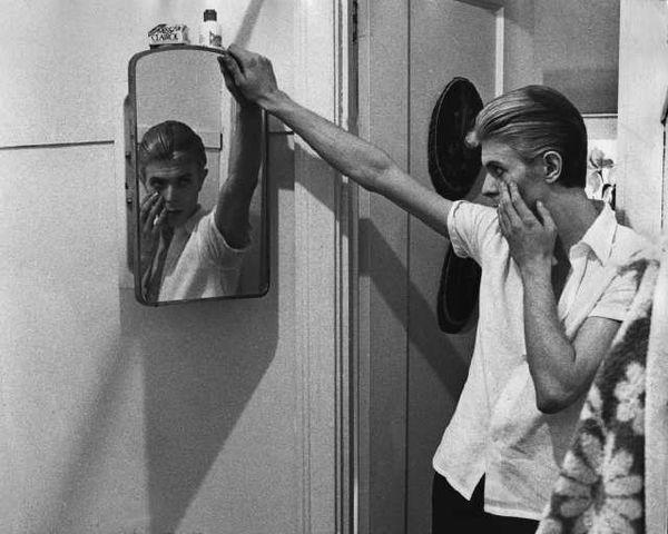David Bowie the return of the thin white duke