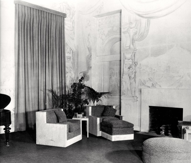 Welles home ny living room