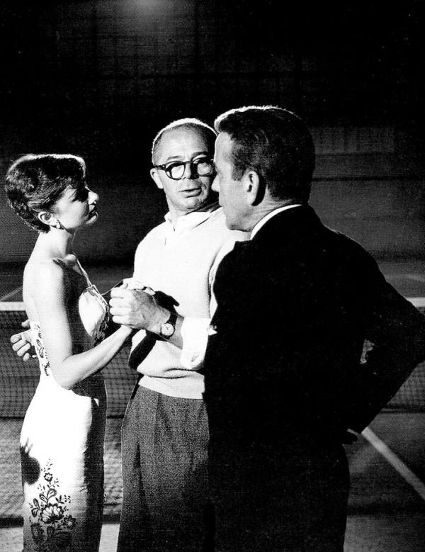 Audrey-Hepburn-Billy-Wilder-and-Humphrey-Bogart-on-the-set-of-Sabrina-600x779