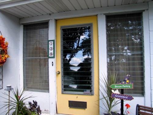 Thrifting Thursday – Front Porch Makeover