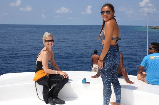 Looking for the whale sharks - Jacky's lucky leggings!