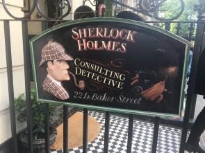 Visiting Sherlock Holmes office at 221b Baker Street