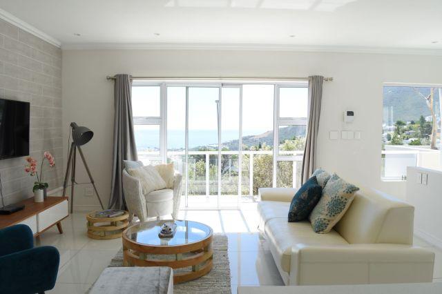 Wohnzimmer mit Blick auf den Atlantik