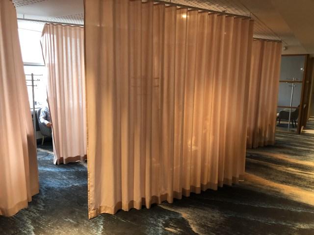 Lounge Liegen in der SAS Gold Lounge Flughafen Kopenhagen Kastrup