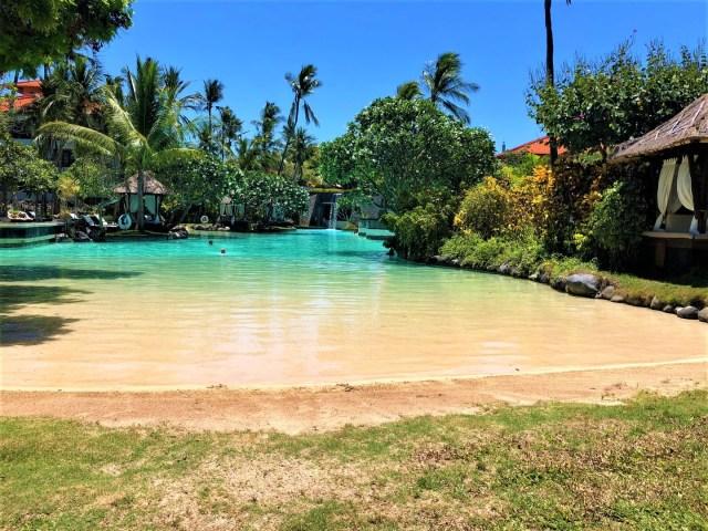 Kleiner Sandeinstieg in die Lagune