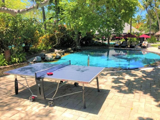 Tischtennis und Kinder-Pool