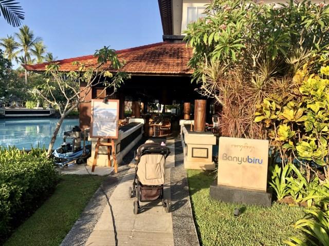 Frühstücken mit Kind im Banyubiru Restaurant - Laguna Luxury Resort &N Spa, Bali