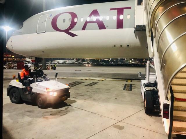 Qatar Airways Airbus A350-900 fertig zum einsteigen