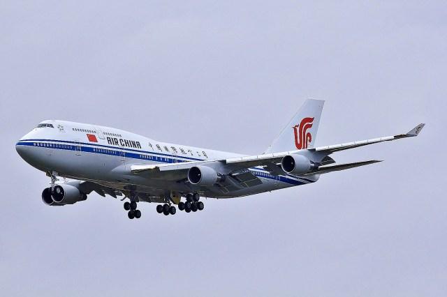 Air China Boeing 747-800 im Landeanflug
