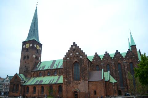 church outside small