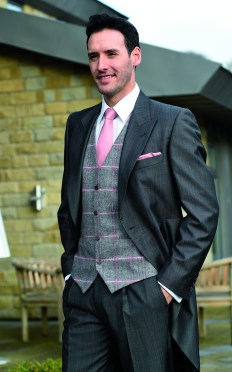 Silk Grey tailcoat worn with tweed rose. Windsor waistcoat and shantung light rose tie and handkerchief
