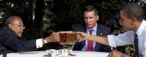 800px-Beer_summit_cheers