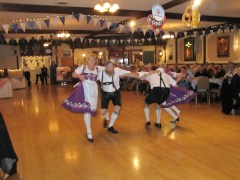 Oktoberfest 2013 dancers_8645