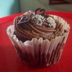 Chocolate Muffins & Milk Chocolate Frosting