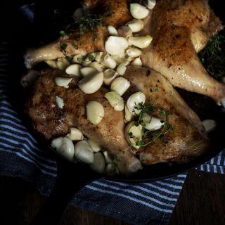 Easy Cast Iron Skillet Chicken with Garlic
