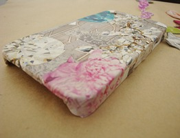 DIY phone case with decoupage victoriadaytoday.com
